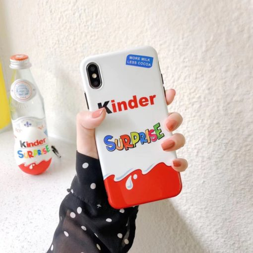 Coque pour iPhone au design Kinder Surprise